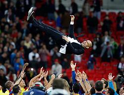 28.05.2011, Wembley Stadium, London, ENG, UEFA CHAMPIONSLEAGUE FINALE 2011, FC Barcelona (ESP) vs Manchester United (ENG), im Bild .Pep Guardiola wird von seiner Mannschaft gefeiert und in die Luft geworfen, EXPA Pictures © 2011, PhotoCredit: EXPA/ InsideFoto/ Paolo Nucci *** ATTENTION *** FOR AUSTRIA AND SLOVENIA USE ONLY!