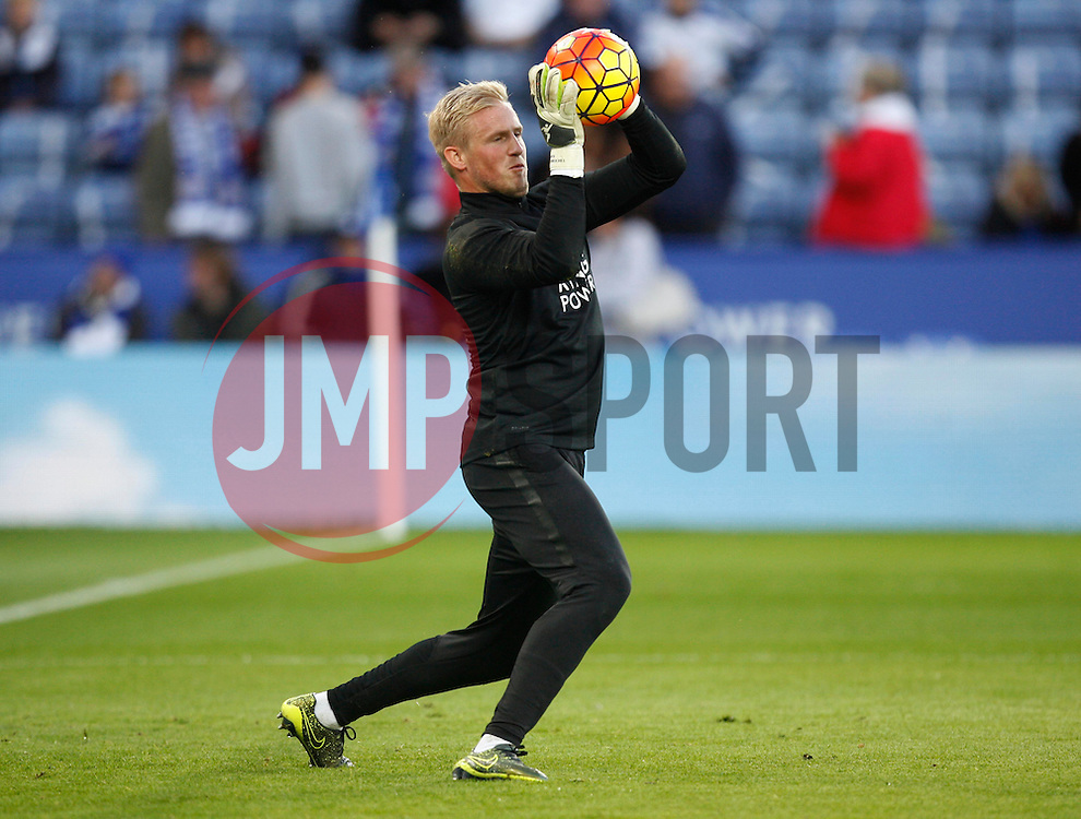 Kasper Schmeichel of Leicester City during the warm up  - Mandatory byline: Jack Phillips/JMP - 07966386802 - 7/11/2015 - SPORT - FOOTBALL - Leicester - King Power Stadium - Leicester City v Watford - Barclays Premier League
