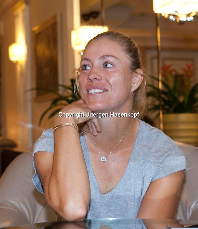 Tennis Profi Angelique Kerber (GER),Einzelbild,<br /> Halbkoerper,Hochformat,