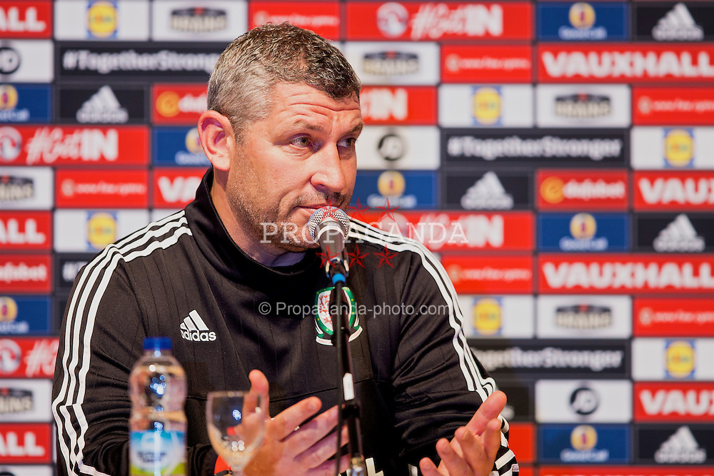 DINARD, FRANCE - Monday, June 27, 2016: Wales assistant manager Osian Roberts during a press conference at their base in Dinard as they prepare for the Quarter-Final match against Belgium during the UEFA Euro 2016 Championship. (Pic by Paul Greenwood/Propaganda)