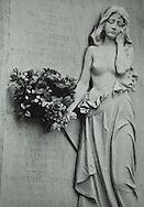 Cemetery Girl, Pere Lachais