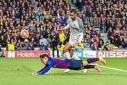 Barcelona midfielder Courtinho (7) heads towards goal during the Champions League semi-final leg 1 of 2 match between Barcelona and Liverpool at Camp Nou, Barcelona, Spain on 1 May 2019.