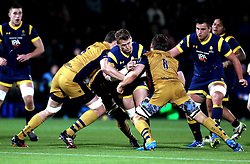 Jamie Shillcock of Worcester Warriors runs into Nick Fenton-Wells of Bristol Rugby - Mandatory by-line: Robbie Stephenson/JMP - 04/11/2016 - RUGBY - Sixways Stadium - Worcester, England - Worcester Warriors v Bristol Rugby - Anglo Welsh Cup