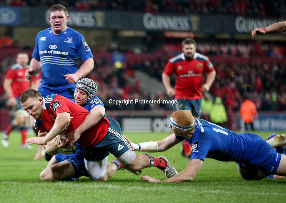 Guinness PRO12, Thomond Park, Limerick 26/12/2014<br /> Munster vs Leinster<br /> Munster's Andrew Conway scores a try <br /> Mandatory Credit &copy;INPHO/Dan Sheridan