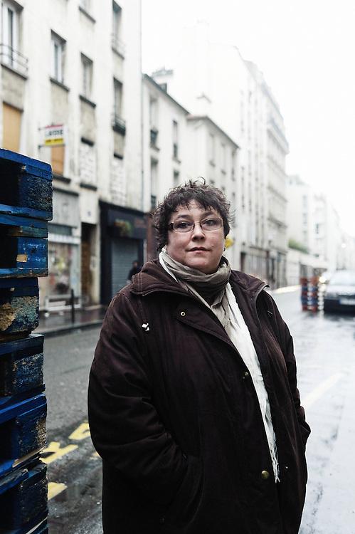 PARIS, FRANCE. 7 JANVIER 2011. Sonia Guyomard, salariee de la Macif et ancienne maraudeuse aupres des sans-abris avec le samu social. (photo: Antoine Doyen)
