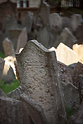 """Der """"Alte Jüdische Friedhof"""" in der Josefs Stadt."""