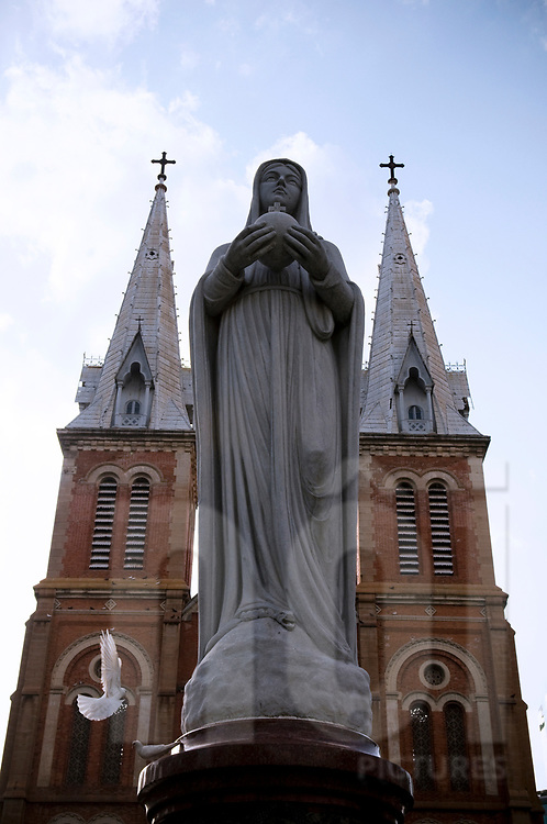 Statue of Maria in front of Notre Dame Basilica, Ho Chi Minh city, Vietnam, Southeast Asia