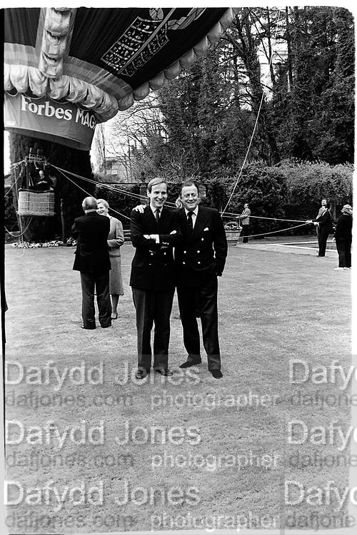 Simon de Pury and Baron Thyssen-Bornemisza. Party to launch Faberge exhibition at Baron Thyssen's Villa Favorita, Lugano. 20 April 1987. © Copyright Photograph by Dafydd Jones 66 Stockwell Park Rd. London SW9 0DA Tel 020 7733 0108 www.dafjones.com