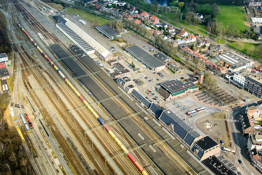 Nederland, Noord-Brabant, Roosendaal, 01-04-2016;  grensstation Roosendaal met goederentrein en intercity. Rond het station opstelsporen en rangeerterrein.<br /> Border railway station Roosendaal.<br /> <br /> luchtfoto (toeslag op standard tarieven);<br /> aerial photo (additional fee required);<br /> copyright foto/photo Siebe Swart