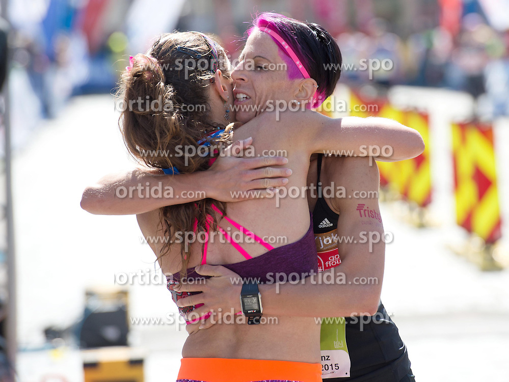 19.04.2015, Linz, AUT, Borealis Linz Donau Marathon, im Bild v.l. Karin Freitag (AUT), Cornelia Köpper (AUT) beim Damen Marathon Linz // during the Borealis Linz Marathon in Linz, Austria on 2015/04/19. EXPA Pictures © 2015, PhotoCredit: EXPA/ Reinhard Eisenbauer
