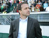 18-05-2008 Voetbal:ADO DEN HAAG:RKC Waalwijk:Waalwijk<br /> Petrovic kijkt gelaten nadat de promotie naar ADO Den Haag gaat<br /> Foto: Geert van Erven