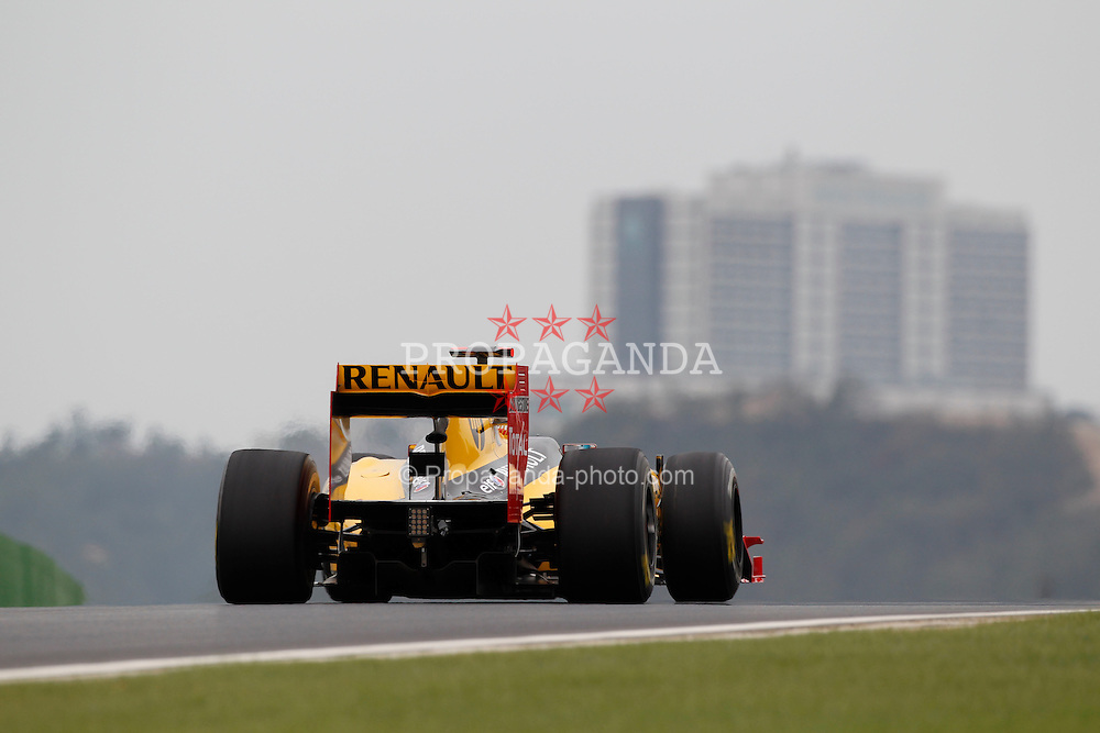 Motorsports / Formula 1: World Championship 2010, GP of Korea, 11 Robert Kubica (POL, Renault F1 Team),