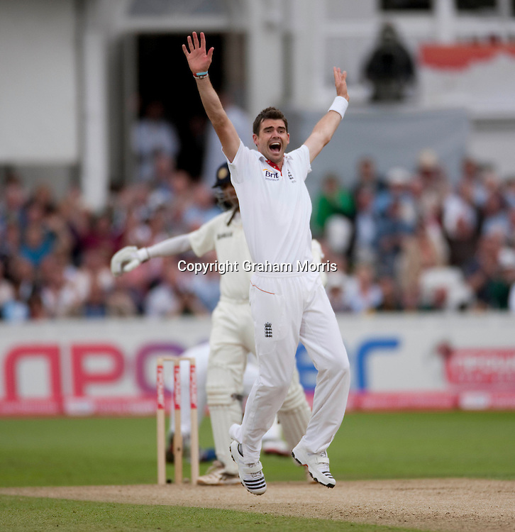 Bowler James Anderson appeals in vain for the caught behind of Rahul Dravid during the second npower Test Match between England and India at Trent Bridge, Nottingham.  Photo: Graham Morris (Tel: +44(0)20 8969 4192 Email: sales@cricketpix.com) 29/07/11