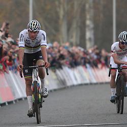 16-11-2019: Wielrennen: Wereldbeker Veldrijden: Tabor<br />Mathieu van der Poel wint de wereldbeker veldrit in Tabor