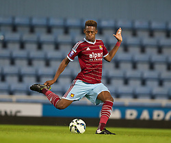 UPTON PARK, ENGLAND - Friday, September 12, 2014: West Ham United's Reece Oxford in action against Liverpool during the Under 21 FA Premier League match at Upton Park. (Pic by David Rawcliffe/Propaganda)