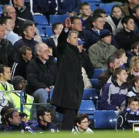 Photo: Lee Earle.<br /> Chelsea v Middlesbrough. The Barclays Premiership.<br /> 03/12/2005. Chelsea manager Jose Mourinho