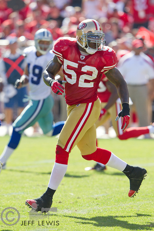 18 September 2011: Linebacker (52) Patrick Willis of the San Francisco 49ers against the Dallas Cowboys during the second half of the Cowboys 27-24 overtime victory against the 49ers in an NFL football game at Candlestick Park in San Francisco, CA.
