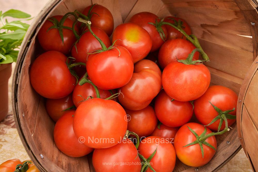 Tomatos, Farmers Market, Tucson, Arizona, USA.