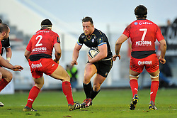 Max Lahiff of Bath Rugby in possession - Mandatory byline: Patrick Khachfe/JMP - 07966 386802 - 10/01/2016 - RUGBY UNION - Stade Mayol - Toulon, France - RC Toulon v Bath Rugby - European Rugby Champions Cup.