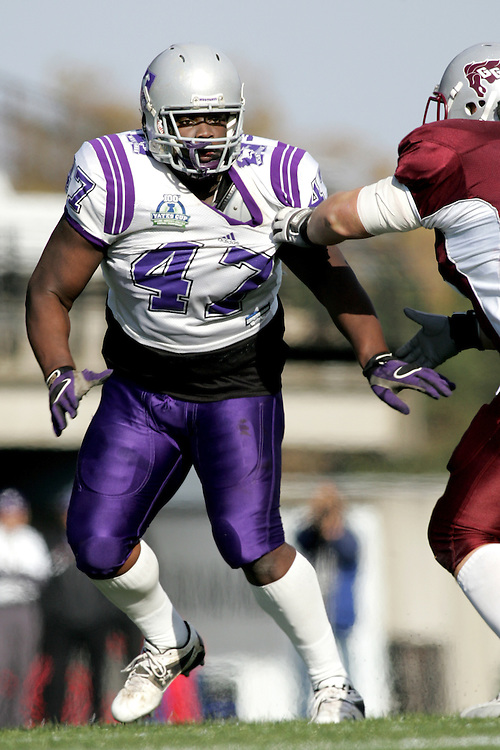 (3 November 2007 -- Ottawa) The University of Western Ontario Mustangs defeating the University of Ottawa Gee Gees lost to 16-23 in OUA football semi-final action in Ottawa. The University of Western Ontario Mustangs player pictured in action is Vaughn Martin