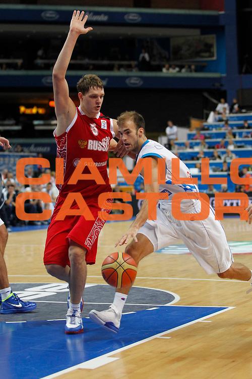 DESCRIZIONE : Vilnius Lithuania Lituania Eurobasket Men 2011 Second Round Grecia Russia Greece Russia<br /> GIOCATORE : Nick Calathes<br /> SQUADRA : Grecia Greece<br /> EVENTO : Eurobasket Men 2011<br /> GARA : Grecia Russia Greece Russia<br /> DATA : 10/09/2011<br /> CATEGORIA : palleggio<br /> SPORT : Pallacanestro <br /> AUTORE : Agenzia Ciamillo-Castoria/M.Metlas<br /> Galleria : Eurobasket Men 2011<br /> Fotonotizia : Vilnius Lithuania Lituania Eurobasket Men 2011 Second Round Grecia Russia Greece Russia<br /> Predefinita :