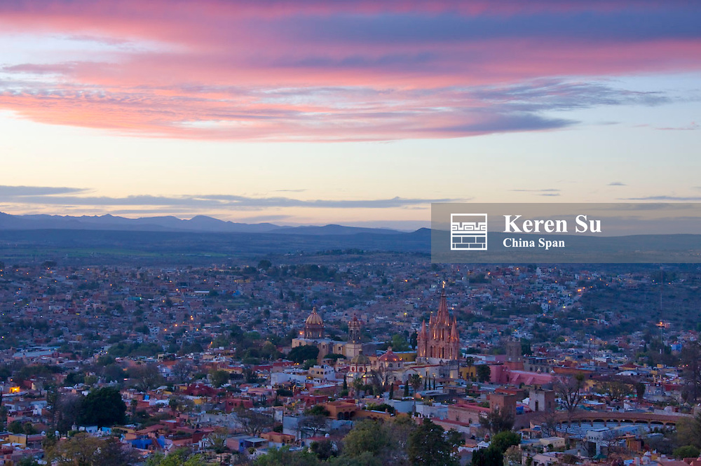 Cityscape at sunset dominated by Parroquia Cathedral, San Miguel de Allende, Mexico