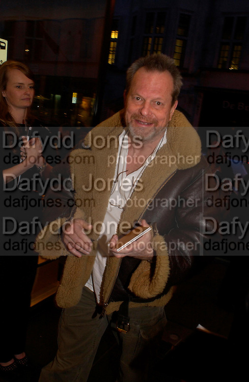 Terry Gillian. Tod's hosts Book signing with Dante Ferretti celebrating the launch of 'Ferretti,- The art of production design' by Dante Ferretti. tod's, Old Bond St. 19 April 2005.  ONE TIME USE ONLY - DO NOT ARCHIVE  © Copyright Photograph by Dafydd Jones 66 Stockwell Park Rd. London SW9 0DA Tel 020 7733 0108 www.dafjones.com