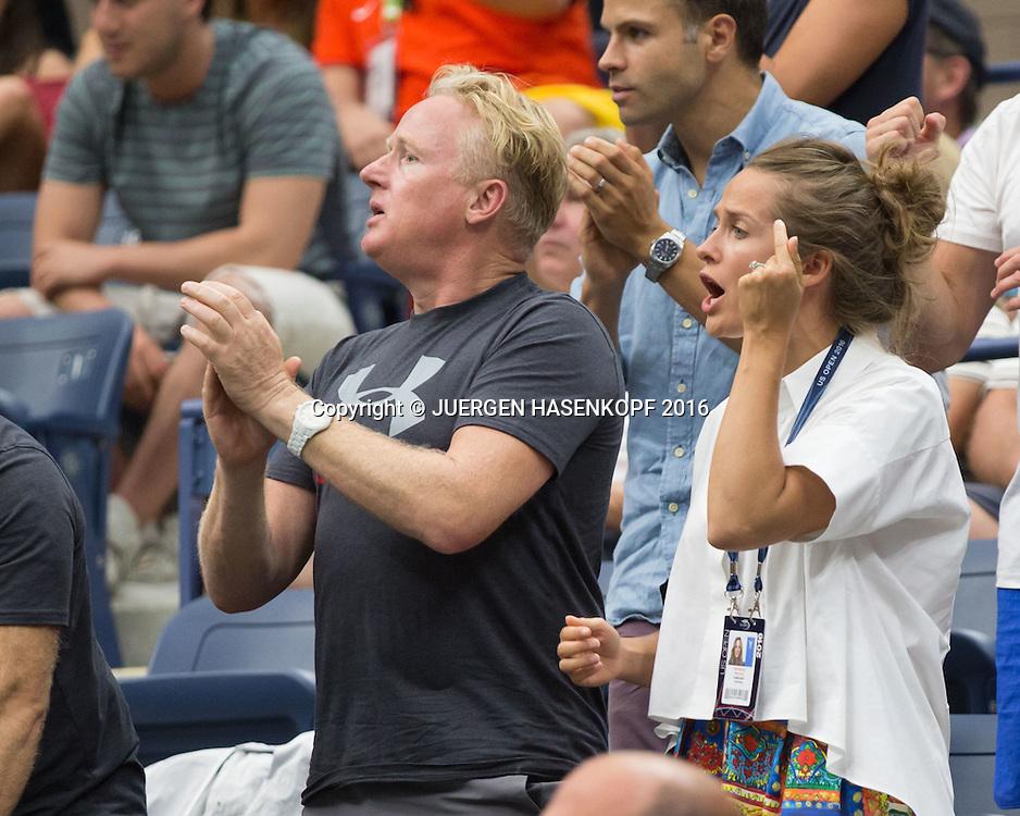 ANDY MURRAY TEAM, Ehefrau  Kim Murray und Mark Bender feuern an in der Spieler Loge,Emotion, <br /> <br /> Tennis - US Open 2016 - Grand Slam ITF / ATP / WTA -  USTA Billie Jean King National Tennis Center - New York - New York - USA  - 7 September 2016.