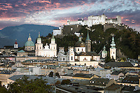Die Festung Hohensalzburg mit den barocken Türmen der Stadt ist das Wahrzeichen von Salzburg.