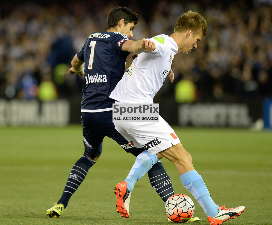 """Gui Finkler of Melbourne Victory, Erik Paartalu of Melbourne City - Hyundai A-League - October 17th 2015 - ROUND 2- Melbourne Victory FC v Melbourne City FC in the first derby for the 2015 season with a 3:2 win to Victory on the 90"""" - © Mark Avellino 