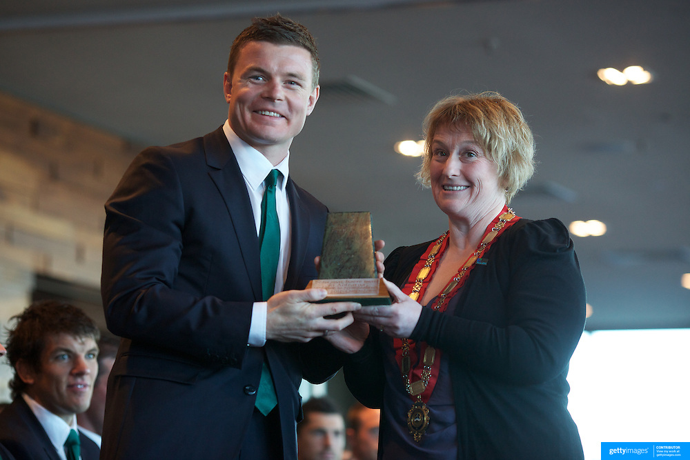 "Queenstown Mayor Vanessa van Uden presents a gift to Brian O""Driscoll at the Irish teams Civic welcome at Skyline.  Queenstown, New Zealand, 4th September 2011. Photo Tim Clayton..."
