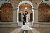 Megan & Mitch's Beautiful Winter Hacienda Sarria Wedding Day