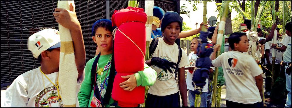 PALMEROS OF CHACAO / PALMEROS DE CHACAO<br /> Photography by Aaron Sosa<br /> Caracas - Venezuela 2004<br /> (Copyright &copy; Aaron Sosa)