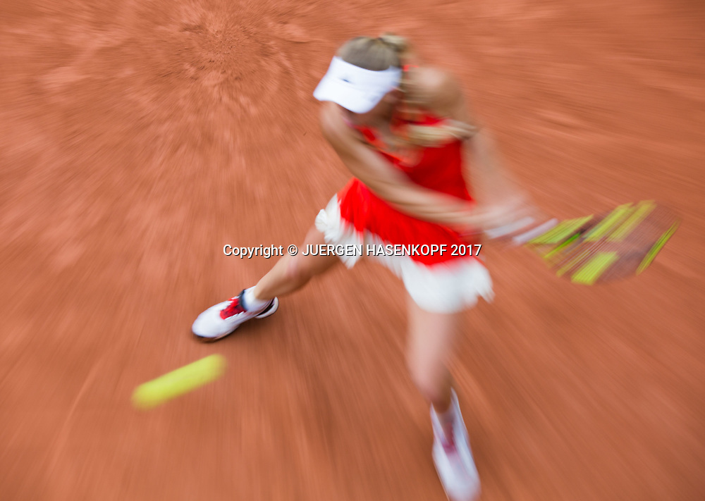 CAROLINE WOZNIACKI (DEN),Bewegungsunschaerfe,Mitzieher,Zoomeffekt,<br /> <br /> Tennis - French Open 2017 - Grand Slam / ATP / WTA / ITF -  Roland Garros - Paris -  - France  - 3 June 2017.