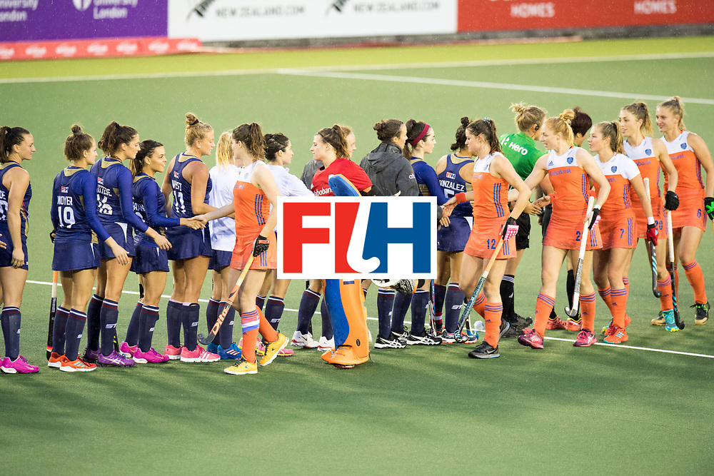 AUCKLAND - Sentinel Hockey World League final women<br /> Match id 10296<br /> 06 Usa v Netherlands<br /> Foto: Line up USA and Netherlands.<br /> WORLDSPORTPICS COPYRIGHT FRANK UIJLENBROEK