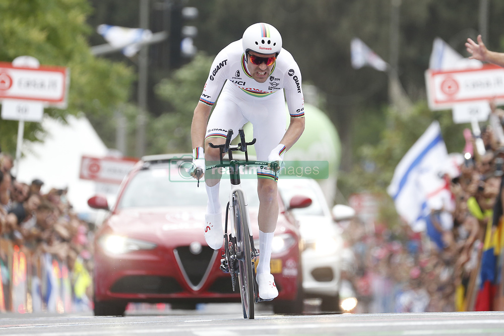 May 4, 2018 - Jerusalem, ISRAEL - Dutch Tom Dumoulin of Team Sunweb pictured in action during the first stage of the 101st edition of the Giro D'Italia cycling tour, an individual time trial (9,7km) in Jerusalem, Israel, Friday 04 May 2018...BELGA PHOTO YUZURU SUNADA FRANCE OUT (Credit Image: © Yuzuru Sunada/Belga via ZUMA Press)