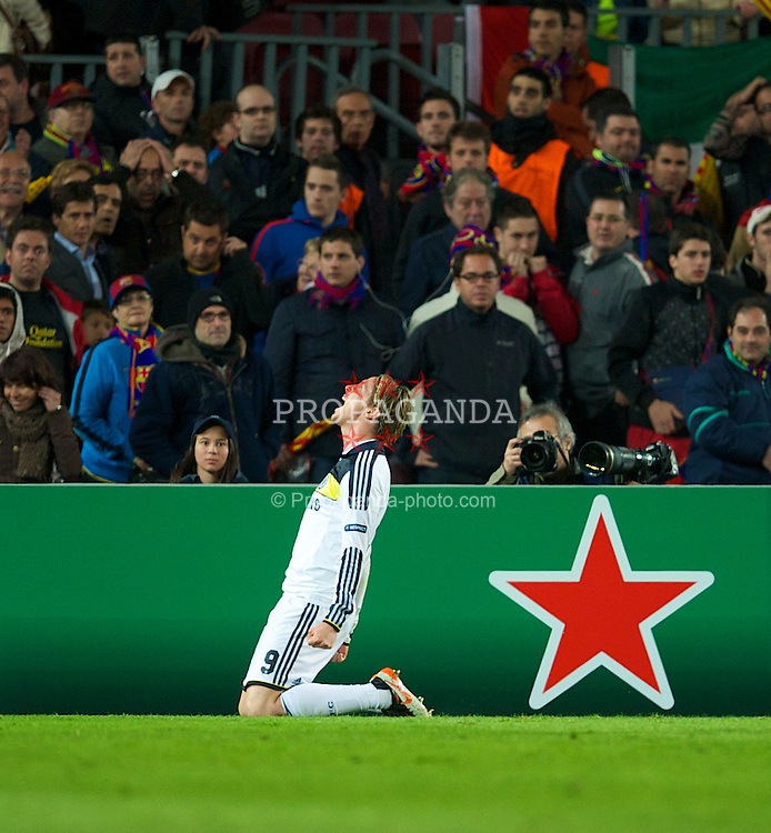 BARCELONA, SPAIN - Tuesday, April 24, 2012: Chelsea's Fernando Torres celebrates scoring the second goal against FC Barcelona, levelling the scores at 2-2 on the night and sending Chelsea to the final on aggregate 3-2 during the UEFA Champions League Semi-Final 2nd Leg match at the Camp Nou. (Pic by David Rawcliffe/Propaganda)