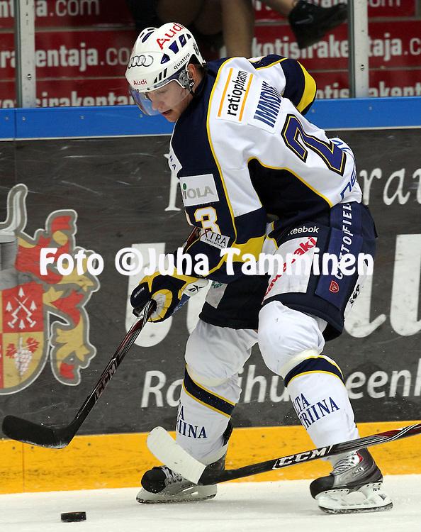 2.10.2010, H?meenlinna..J??kiekon SM-liiga 2010-11. .HPK - Blues..Jarkko Immonen - Blues.©Juha Tamminen.