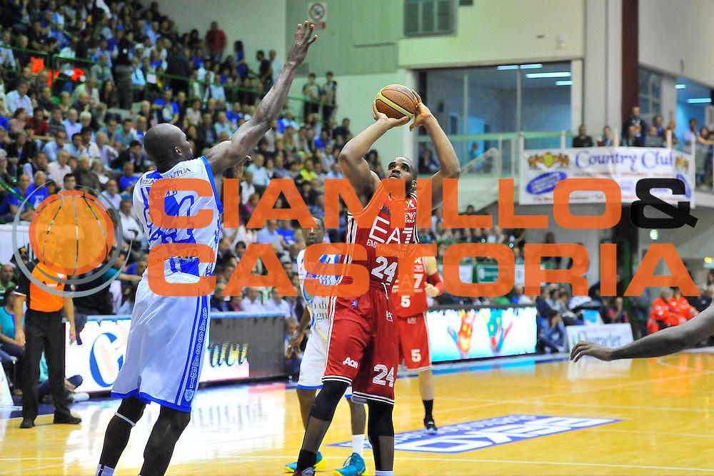 DESCRIZIONE : Campionato 2013/14 Semifinale GARA 3 Dinamo Banco di Sardegna Sassari - Olimpia EA7 Emporio Armani Milano<br /> GIOCATORE : Samardo Samuels<br /> CATEGORIA : Tiro<br /> SQUADRA : Dinamo Banco di Sardegna Sassari<br /> EVENTO : LegaBasket Serie A Beko Playoff 2013/2014<br /> GARA : Dinamo Banco di Sardegna Sassari - Olimpia EA7 Emporio Armani Milano<br /> DATA : 03/06/2014<br /> SPORT : Pallacanestro <br /> AUTORE : Agenzia Ciamillo-Castoria / Luigi Canu<br /> Galleria : LegaBasket Serie A Beko Playoff 2013/2014<br /> Fotonotizia : DESCRIZIONE : Campionato 2013/14 Semifinale GARA 3 Dinamo Banco di Sardegna Sassari - Olimpia EA7 Emporio Armani Milano<br /> Predefinita :