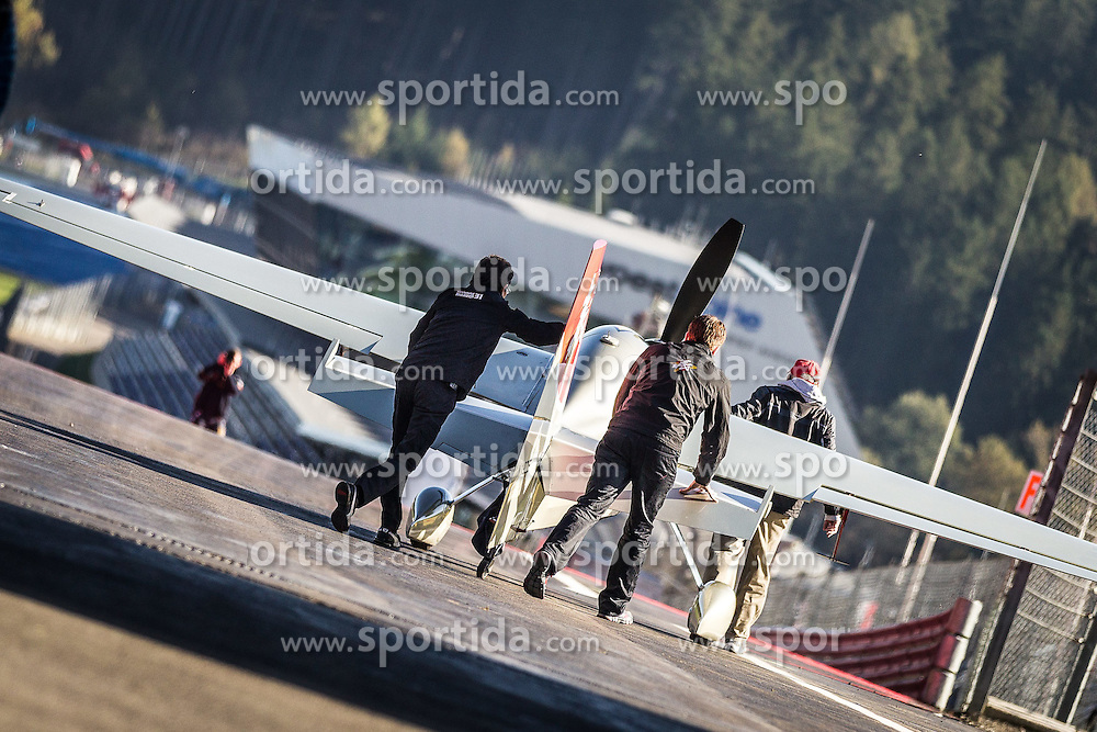 26.10.2014, Red Bull Ring, Spielberg, AUT, Red Bull Air Race, Renntag, im Bild feature // during the Red Bull Air Race Championships 2014 at the Red Bull Ring in Spielberg, Austria, 2014/10/26, EXPA Pictures © 2014, PhotoCredit: EXPA/ M.Kuhnke