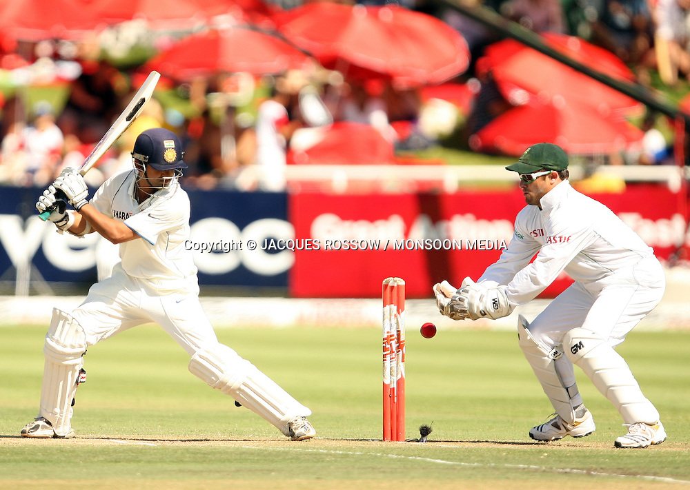 Gautam Gambir watches as Mark Boucher fumbles a clean take during Day 2 of the third and final Test between South Africa and India played at Sahara Park Newlands in Cape Town, South Africa, on 2 January 2011. Photo by Jacques Rossouw / MONSOON MEDIA