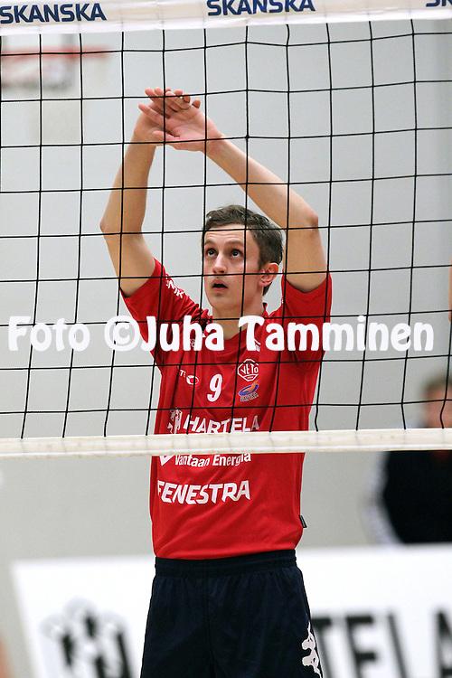 9.12.2012, Lumon liikuntahalli, Korso, Vantaa..Lentopallon Mestaruusliiga 2012-13. .Korson Veto - Pielaveden Sampo..Karl K?laots - KoVe