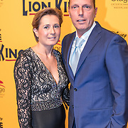 NLD/Scheveningen/20161030 - Premiere musical The Lion King, Rob Geus en partner Suzanne Ozek