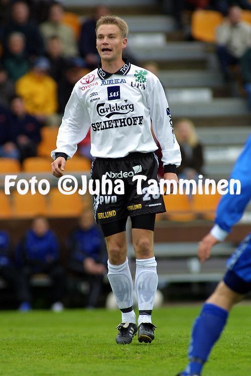 28.05.2001 Tampere, Finland. Veikkausliiga, Tampere United v FC Haka. Tero Penttil? (Haka)..©JUHA TAMMINEN