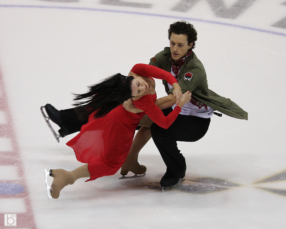 06 Aug 2009: Mylene Girard of CPA Repentigny and Jonathan Pelletier of CPA St. Eustache skate in the Senior Free Dance at the 2009 Lake Placid Ice Dance Championships in Lake Placid, N.Y.    © Todd Bissonette