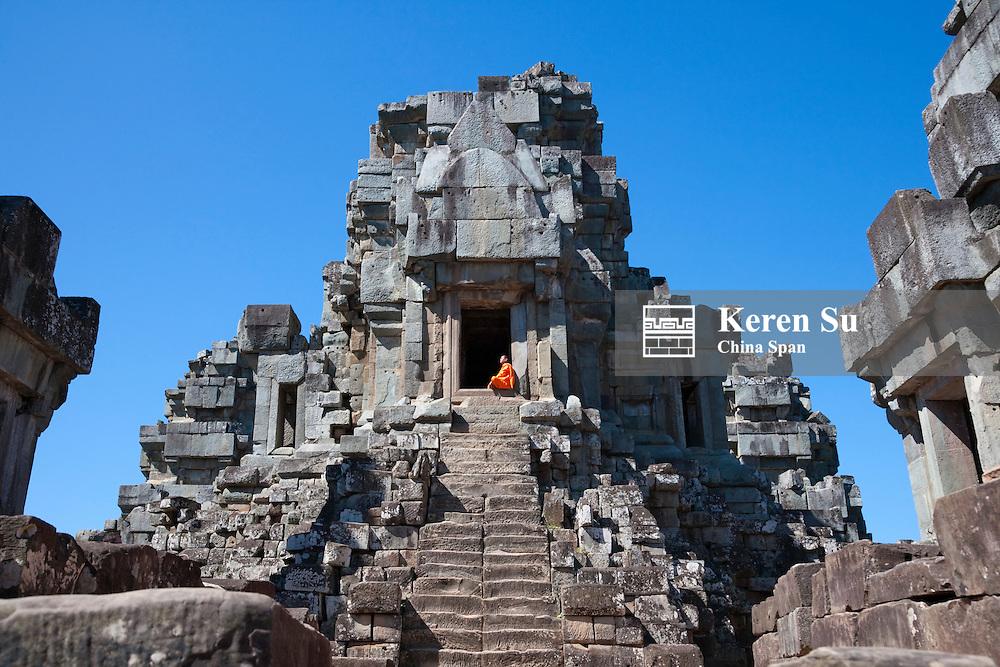 Monk at Thommanon Temple, UNESCO World Heritage site.