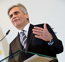 24.01.2012, Bundeskanzleramt, Wien, AUT, Bundesregierung, Sitzung des Ministerrats, im Bild Bundeskanzler Werner Faymann // during the council of ministers, Chancellors office, Vienna, 2012-01-24, EXPA Pictures © 2012, PhotoCredit: EXPA/ M. Gruber