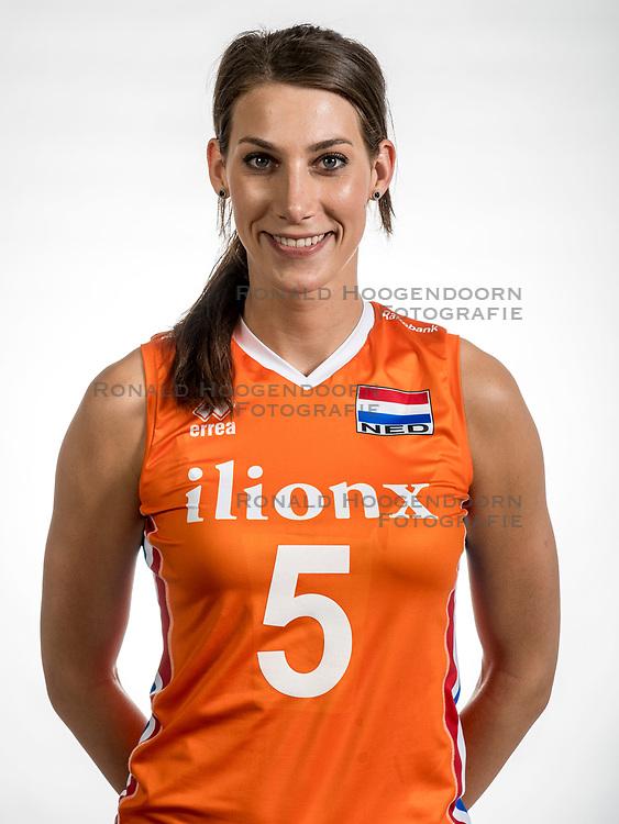 22-05-2017 NED: Nederlands volleybalteam vrouwen, Utrecht<br /> Photoshoot met Oranje vrouwen seizoen 2017 / Robin de Kruijf #5
