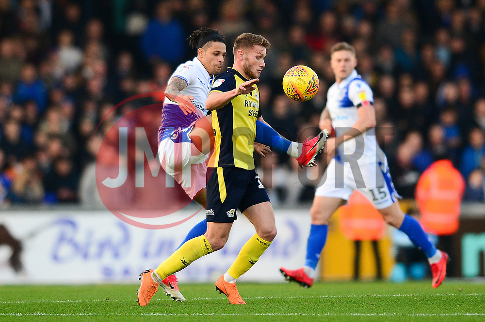Daniel Leadbitter of Bristol Rovers challenges for the ball with Andy Dales of Scunthorpe United - Mandatory by-line: Dougie Allward/JMP - 17/11/2018 - FOOTBALL - Memorial Stadium - Bristol, England - Bristol Rovers v Scunthorpe United - Sky Bet League One