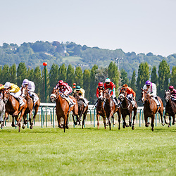 Quenn's Of Marshal (E. hardouin, white cap_ beats Voiscreville (J. Auge) in Prix Casino Barriere Deauville in Deauville, France 27/08/2017, photo: Zuzanna Lupa